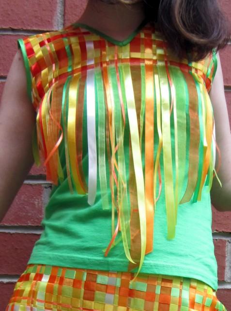 Украсить платье атласными лентами своими руками 74
